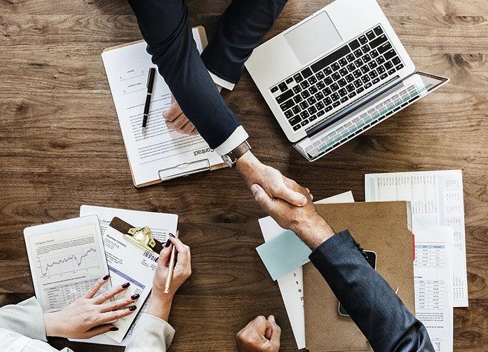 Kredyt konsolidacyjny dla firm. Czy przedsiębiorstwa mogą konsolidować kredyty?