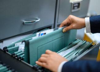 Jak bezpiecznie i w zoptymalizowany sposób przechowywać dokumenty firmowe?