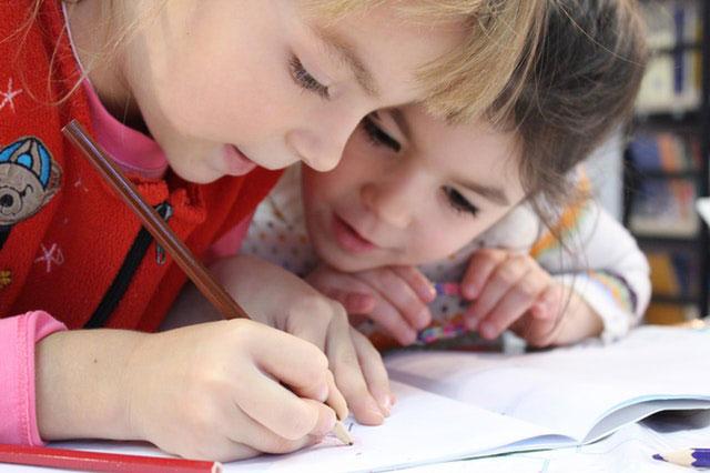 Przybory szkolne niezbędne do nauki